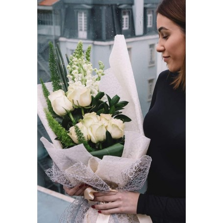 Atraente ramo de rosas brancas - RAINHA do AMOR