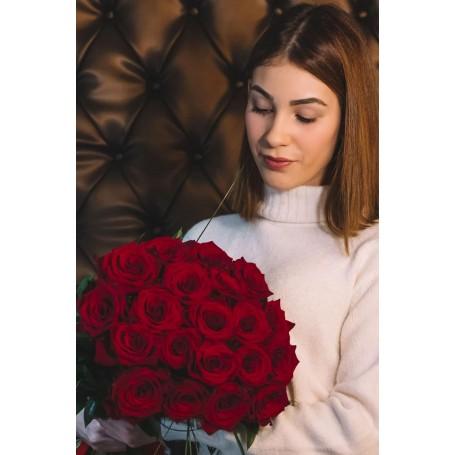 Bouquet de Rosas Vermelhas aveludadas - RED ROSES BOUQUET