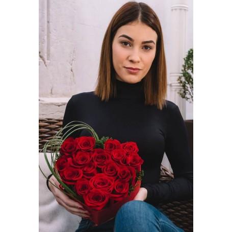 coração de rosas vermelhas - ROMANCE
