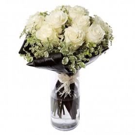 Ramo de flores com arranjo de Rosas Brancas - ROSAS de TERNURA