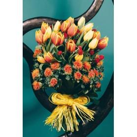 Grandioso ramo de flores tulipas e carthamus - VENEZA